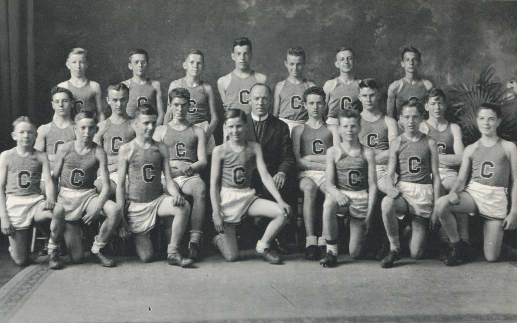 The 1935 Cross Country Team